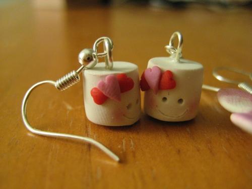 https://pigcorner.files.wordpress.com/2010/05/marshmallows.jpg