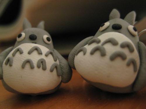 https://pigcorner.files.wordpress.com/2010/05/totoro.jpg