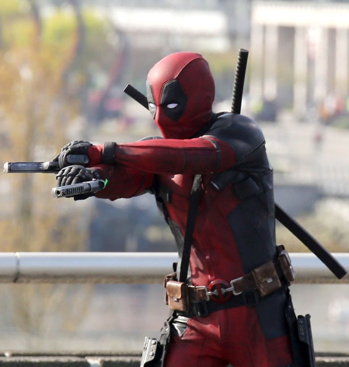 "51703770 Actor Ryan Reynolds suits up to film and action scene on a viaduct for ""Deadpool"" on April 7, 2015 in Vancouver, Canada. The new Marvel movie tells the story of a former Special Forces operative turned mercenary who is subjected to a rogue experiment that leaves him with accelerated healing powers. FameFlynet, Inc - Beverly Hills, CA, USA - +1 (818) 307-4813"