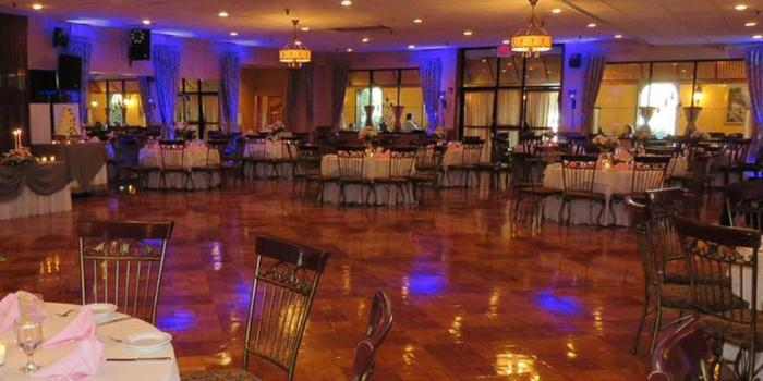 La-Luna-Banquet-Hall-Wedding-Philadelphia-PA-2_main.1431457644